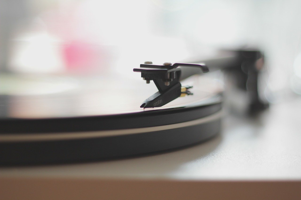 How to fix a record player needle